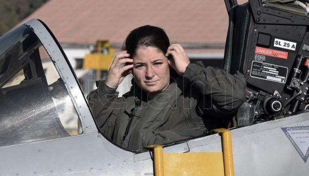 Taiana ordenó respaldar a la mujer piloto que denunció acoso en la Fuerza Aérea - Télam